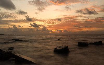 Desktop Computer Wallpaper – Sunrise Over the Ocean – Standard & HD 4K Resloution