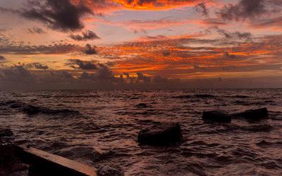 Sunrise Over the Ocean Desktop Computer Wallpaper – Standard & HD 4K Resloution