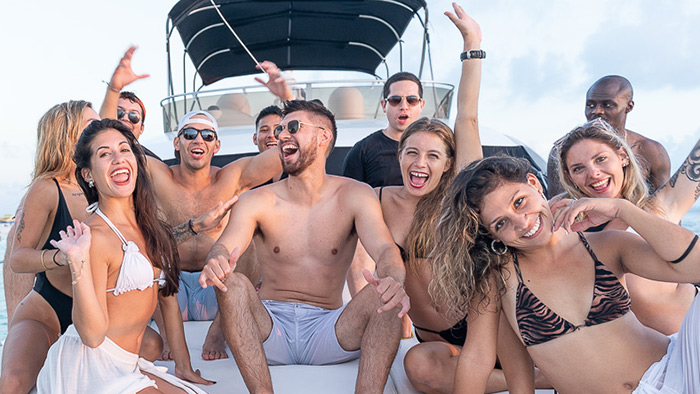 Private Yacht Cruise Cancun To Isla Mujeres
